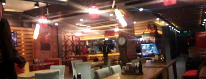 The Butcher Steakbar is one of สถานที่ที่ 🦂FEMALE BOSS🦂 ถูกใจ.
