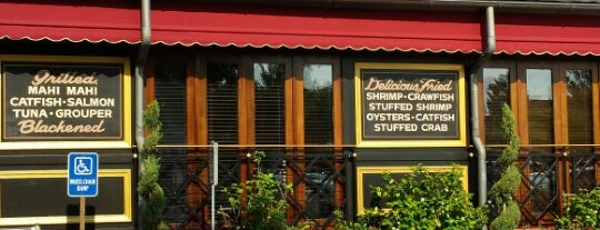 Pappadeaux Seafood Kitchen is one of Lugares guardados de Doe.