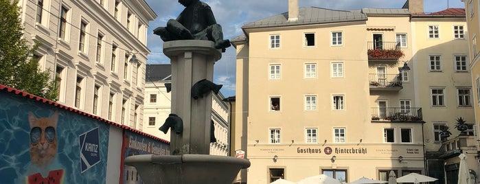 Kajetanerplatz is one of Orte, die Tahsin gefallen.