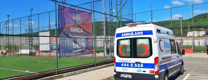 FC Barcelona / FCBEscola istanbul is one of Lieux qui ont plu à Hakan.