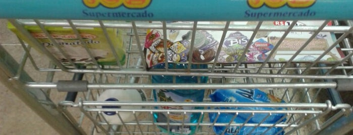 IOB Supermercado is one of Locais curtidos por Farid Meire.