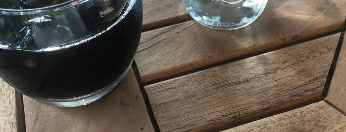 Favola Bistro&cafe is one of istanbul gidilecekler anadolu 2.