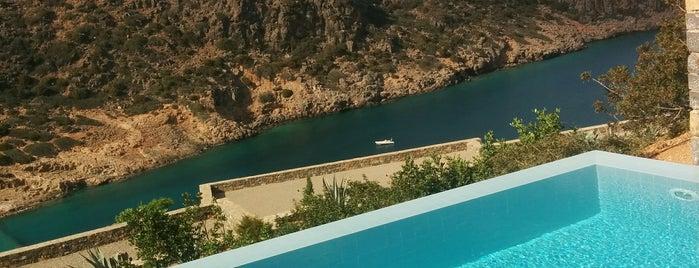 Daios Cove Luxury Resort & Villas is one of Orte, die Dimitris gefallen.