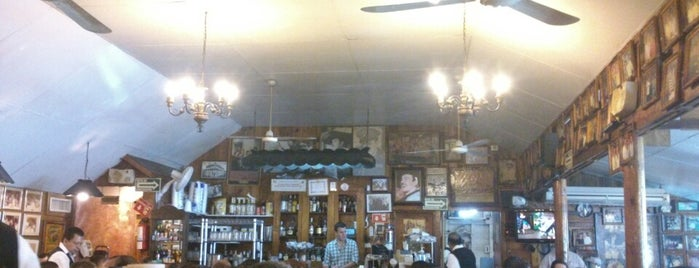 Restaurant El Castor is one of Lieux qui ont plu à César.