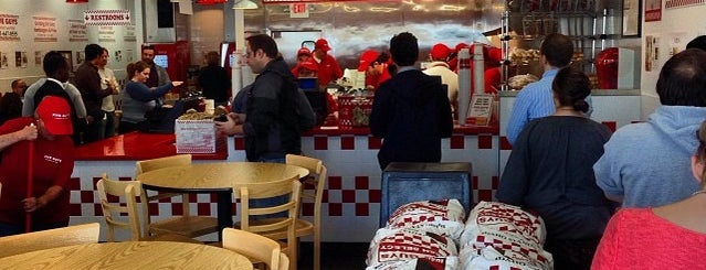 Five Guys is one of N.さんの保存済みスポット.