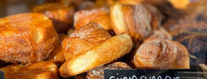 Simple Loaf Bakehouse is one of Fernanda : понравившиеся места.
