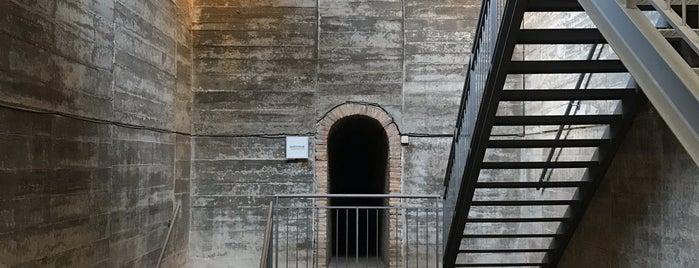 Museu de ceràmica la rajoleta is one of Barcelona.