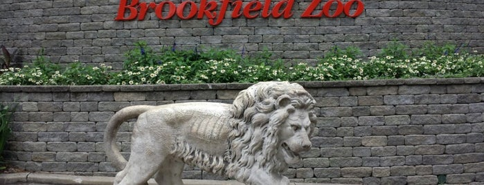 Brookfield Zoo is one of Locais curtidos por Sil.
