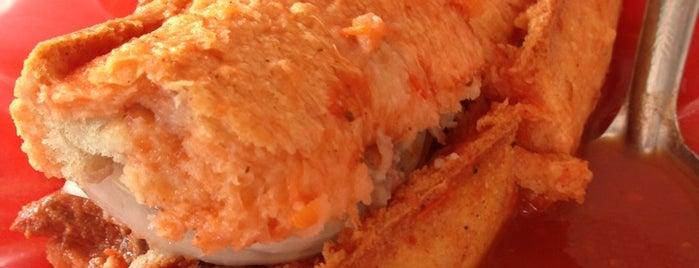 Tortas Ahogadas Mr. Paco's is one of Locais curtidos por Alfredo.