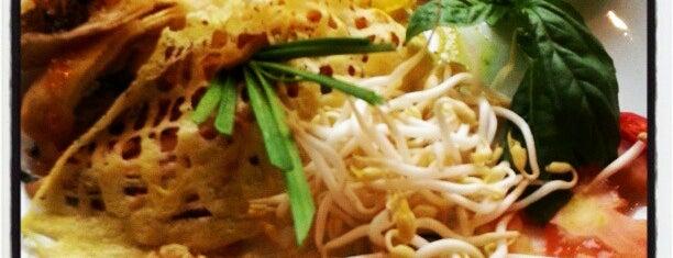 Mango Tree Bistro is one of Food: Makati.