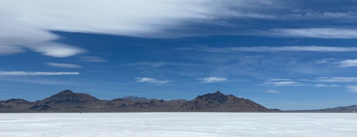 Bonneville Salt Flats is one of Divya'nın Beğendiği Mekanlar.
