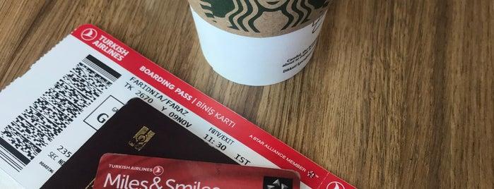 Starbucks is one of Tempat yang Disukai Emre.