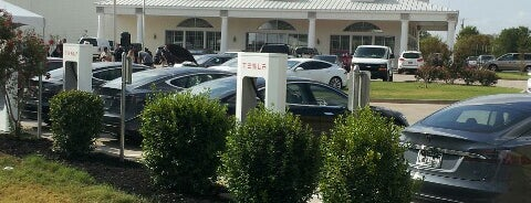 Tesla Supercharger is one of Tim 님이 좋아한 장소.