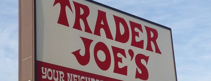 Trader Joe's is one of Orte, die Alberto J S gefallen.