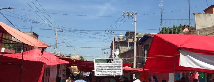 Mercado del Sábado is one of lindos.