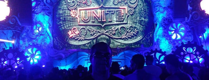 Unite The Mirror of Tomorrowland is one of Por Hacer.
