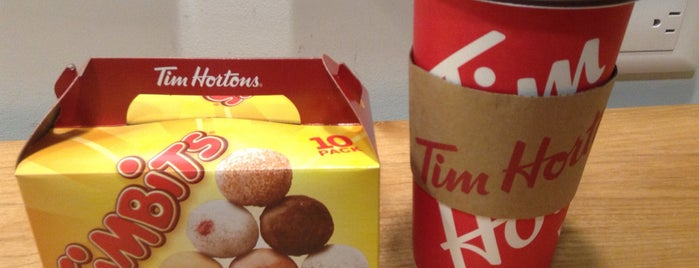 Tim Hortons is one of Orte, die Jhalyv gefallen.