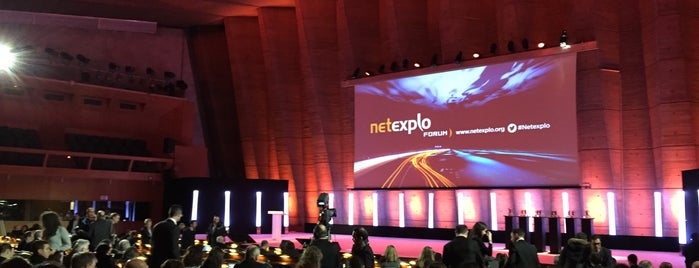 Netexplo Forum @UNESCO is one of Locais curtidos por Minter.