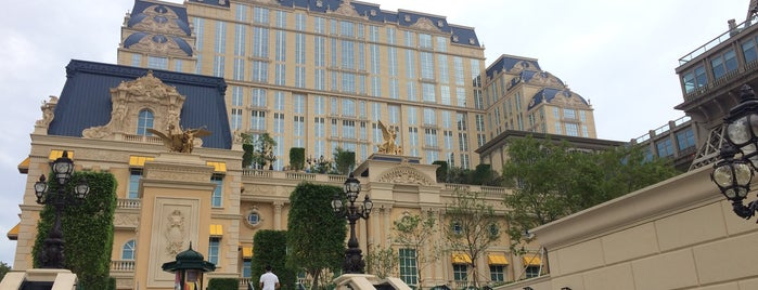 The Parisian Macao is one of Lieux qui ont plu à SV.