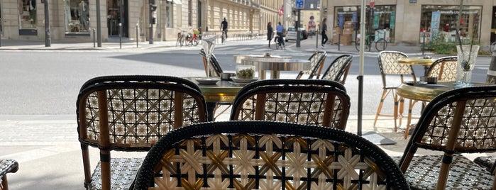 Le Boudoir is one of Paris.