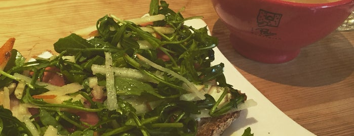 Le Pain Quotidien is one of Meganさんのお気に入りスポット.