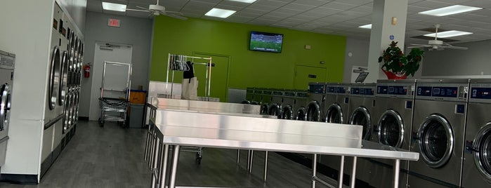 Metro Laundry Mat is one of Tempat yang Disukai Jade.