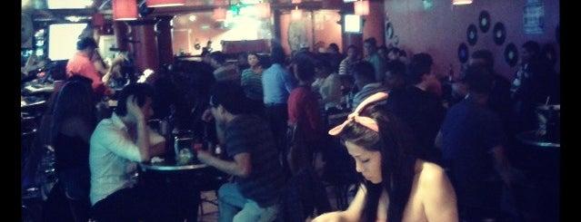 Karmaleón Snack & Bar is one of Tempat yang Disimpan Jenny.