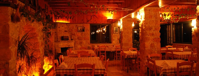 Gondara's Restaurant is one of Lugares favoritos de ilker.