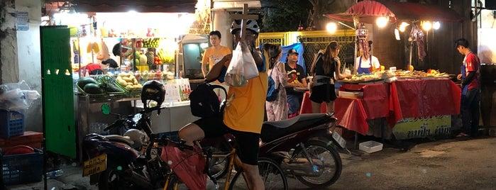 Sukhumvit Soi 38 is one of Bangkok.