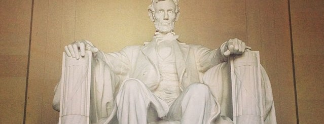 Lincoln Memorial is one of Guide to DC.