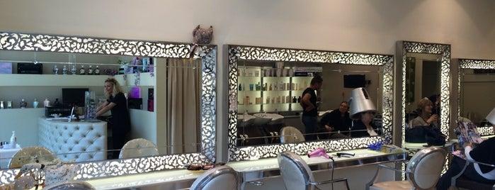 Vanity Hair is one of Lugares favoritos de Simon.