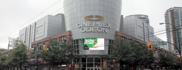 Cineplex Odeon International Village Cinemas is one of Locais Especiais.