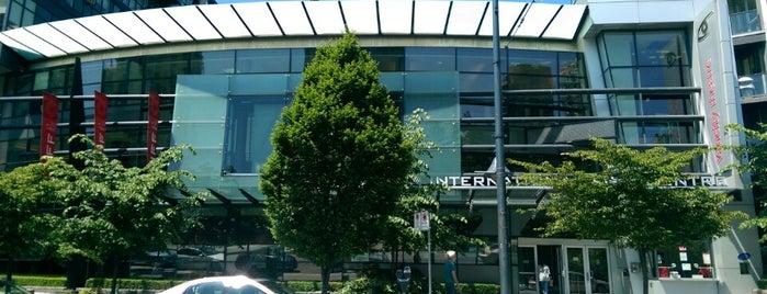 Vancouver International Film Centre is one of Locais curtidos por Jennifer.