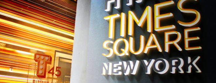 Hyatt Centric Times Square New York is one of Tempat yang Disukai Ashleigh.