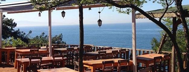Kalpazankaya Plajı is one of Istanbul Best Dine & View.