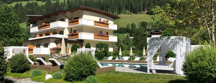 *****Deluxe Hotel & Spa Resort Alpenpalace is one of Италия.