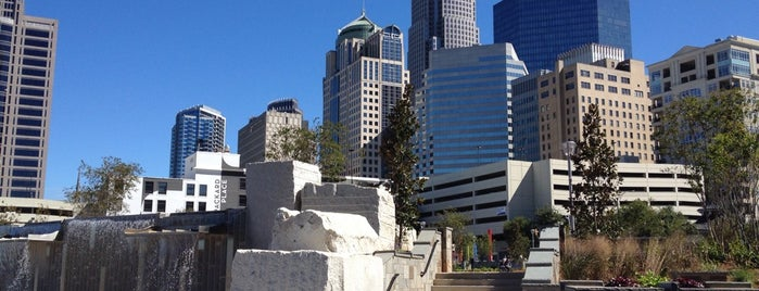 Romare Bearden Park is one of Locais salvos de Joshua.