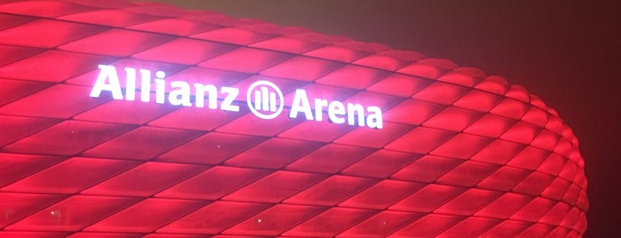 Allianz Arena is one of Locais curtidos por Dmitry.