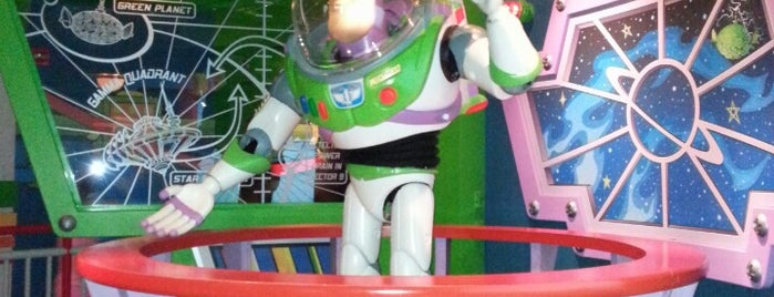 Buzz Lightyear Astro Blasters is one of Lieux qui ont plu à Aljon.