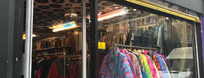 Vintage Basement is one of London Shops.