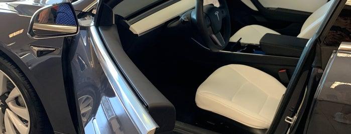 Tesla is one of Locais curtidos por Ailie.