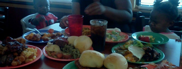 Golden Corral is one of Eats.