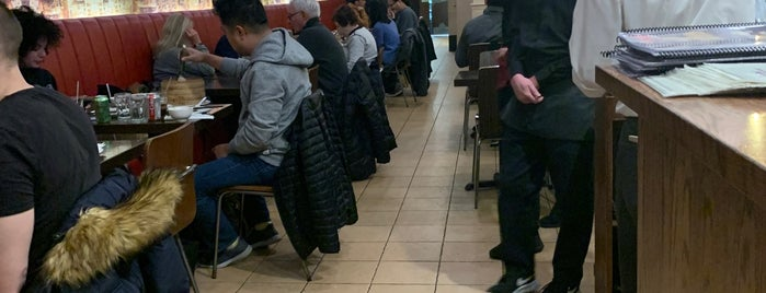 Excellent Dumpling House is one of Lieux qui ont plu à Genabeebee.