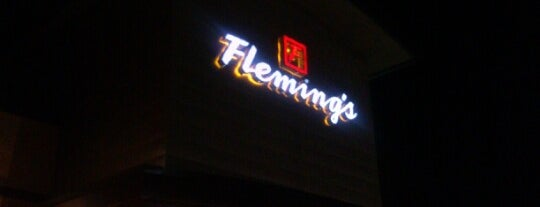 Fleming's Prime Steakhouse & Wine Bar is one of Locais salvos de Lizzie.