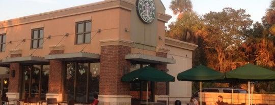 Starbucks is one of Locais salvos de Rich.