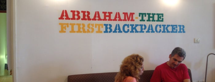 Abraham Hostel is one of Posti che sono piaciuti a Analucia.