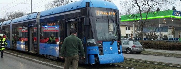 Tram 19 Pasing Bf - St.-Veit-Straße is one of Lugares favoritos de Fatma.