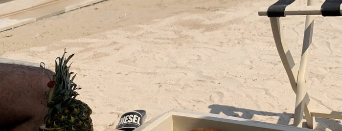 White Beach is one of Summer 2021 Goals 👙💕.