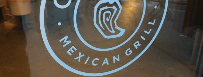 Chipotle Mexican Grill is one of Lugares favoritos de Julie.