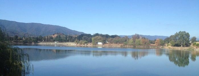 Almaden Lake Park is one of Lugares favoritos de William.